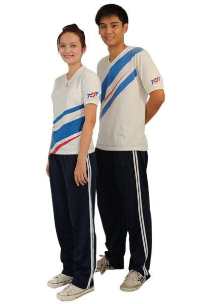 Đồng phục học sinh sinh viên – Đồng phục sinh viên quần xanh sọc trắng, áo thun cổ tim màu trắng sọc trắng 03
