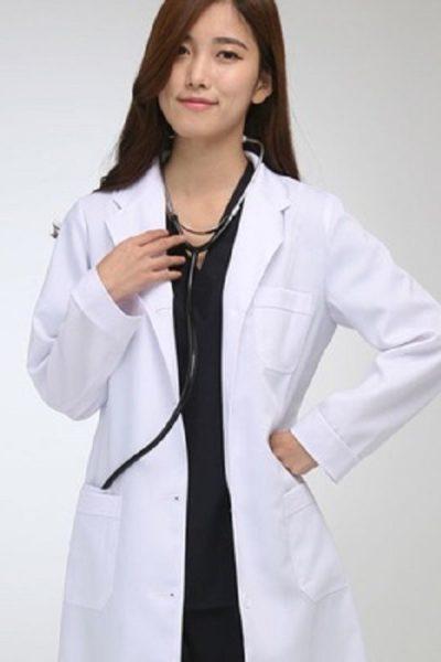Đồng phục bệnh viện – Đồng phục áo blouse nữ màu trắng tay dài 04