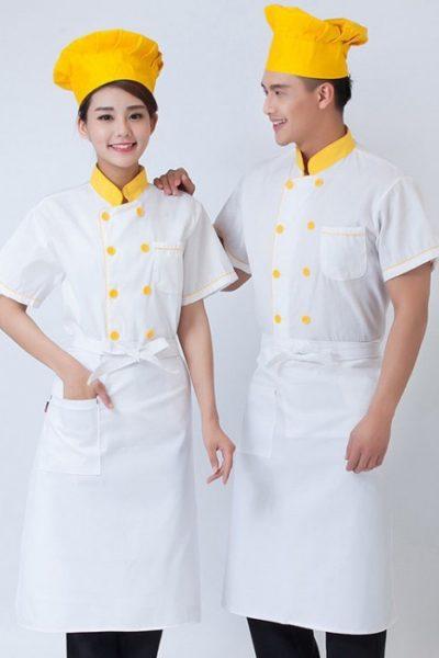 Đồng phục nhà hàng khách sạn – Đồng phục bếp áo trắng viền vàng 08