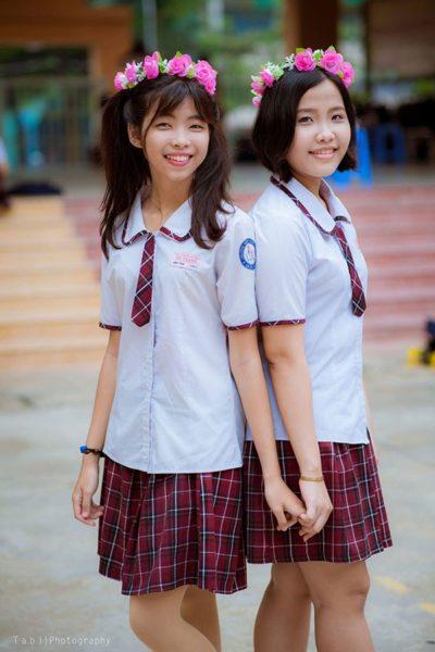 Đồng phục học sinh sinh viên – Đồng phục học sinh cấp II váy caro đỏ, áo sơ mi trắng tay ngắn phối viền caro đỏ 11