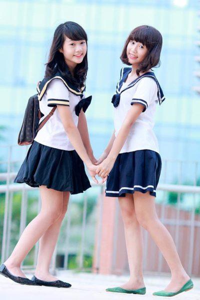 Đồng phục học sinh sinh viên – Đồng phục học sinh cấp II váy xanh đen sọc trắng, áo cổ tròn màu trắng 12