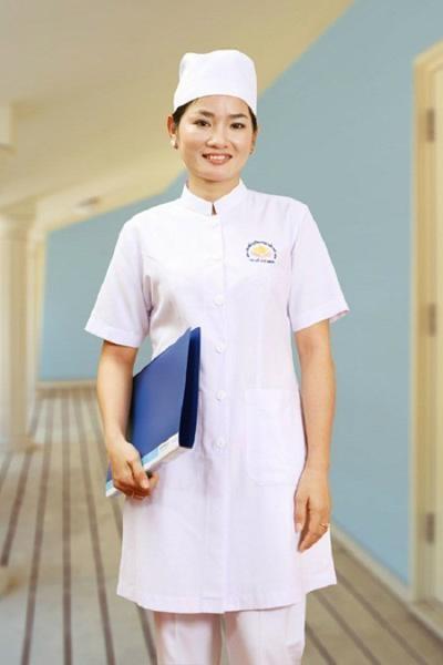 Đồng phục bệnh viện – Đồng phục áo blouse nữ màu trắng tay ngắn 13