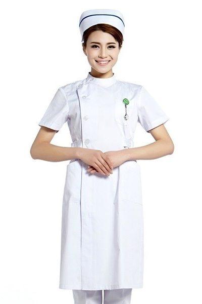 Đồng phục bệnh viện – Đồng phục y tá màu trắng tay ngắn 23
