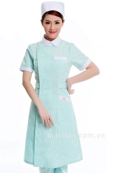 Đồng phục bệnh viện – Đồng phục y tá màu xanh phối trắng tay ngắn 24