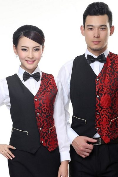 Đồng phục nhà hàng khách sạn – Đồng phục pha chế quần tây đen, áo sơ mi trắng, ghi lê đen phối đỏ 04