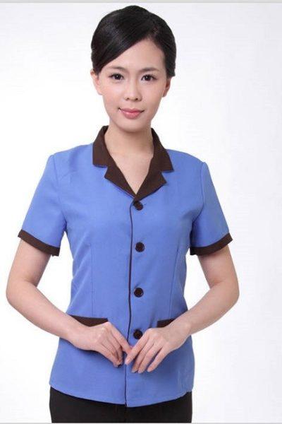 Đồng phục nhà hàng khách sạn – Đồng phục tạp vụ quần đen, áo xanh phối nâu 07