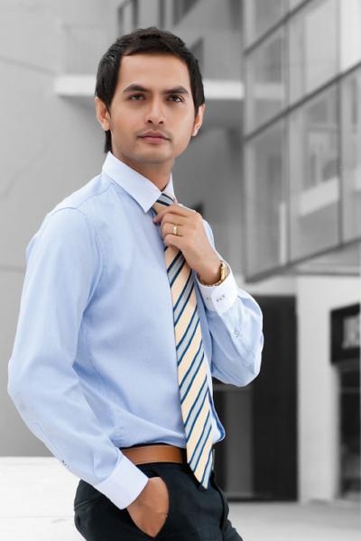 Đồng phục công sở – Áo sơ mi nam tay dài màu xanh nhạt phối cổ trắng 23