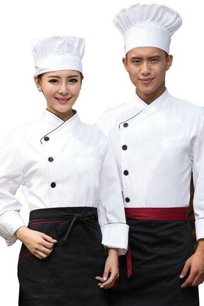 Đồng phục nhà hàng khách sạn – Đồng phục bếp áo trắng nút đen, nón trắng, tạp dề đen  24