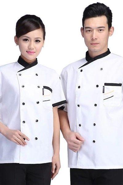 Đồng phục nhà hàng khách sạn – Đồng phục bếp áo trắng nút đen viền đen, quần đen 27