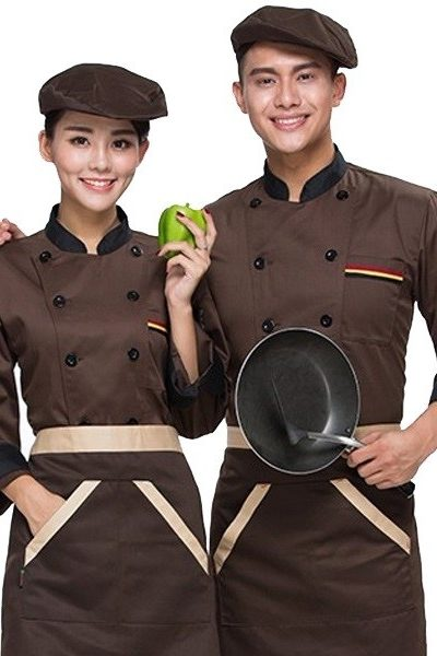 Đồng phục nhà hàng khách sạn – Đồng phục bếp áo nâu viền đen, nón nâu, tạp dề nâu viền kem 31