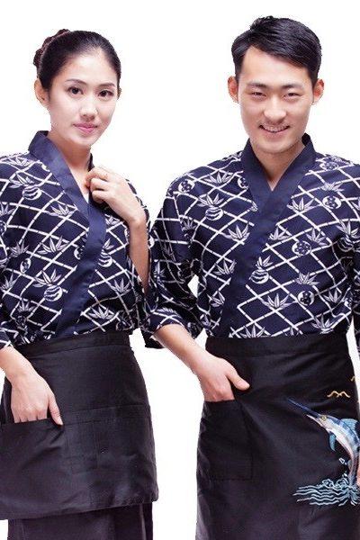 Đồng phục nhà hàng khách sạn – Đồng phục bếp áo màu xanh đen phối họa tiết trắng, tạp dề đen 33