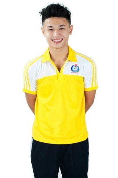 Đồng phục học sinh sinh viên – Đồng phục thể dục áo vàng phối trắng, quần xanh đen 3 sọc trắng 24