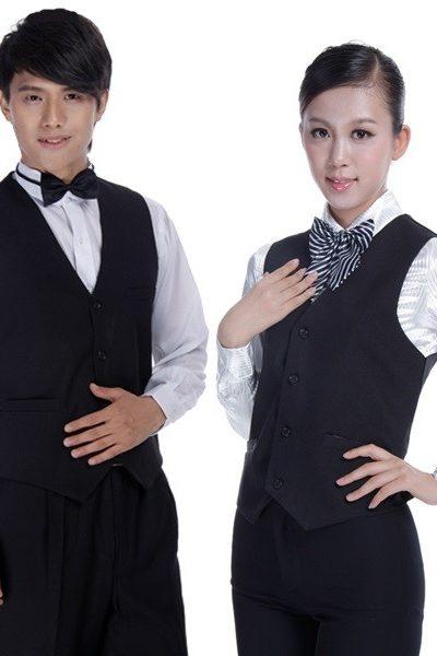 Đồng phục nhà hàng khách sạn – Đồng phục phục vụ áo sơ mi trắng, áo ghi lê đen, quần tây đen 31