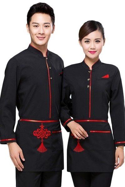 Đồng phục nhà hàng khách sạn – Đồng phục phục vụ áo đen viền đỏ quần tây đen tạp dề đen 50