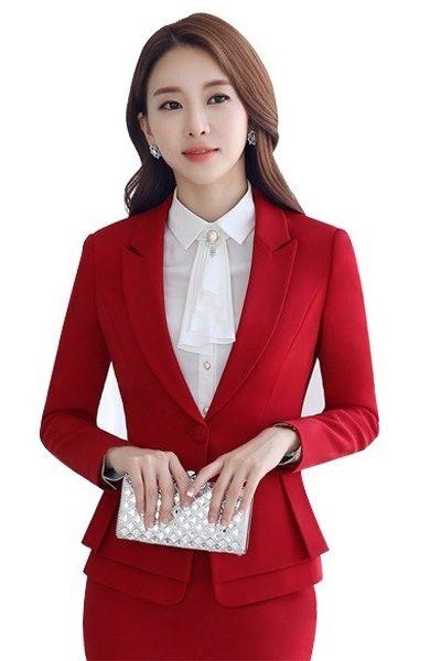 Đồng phục nhà hàng khách sạn – Đồng phục quản lý áo vest, chân váy đỏ 23