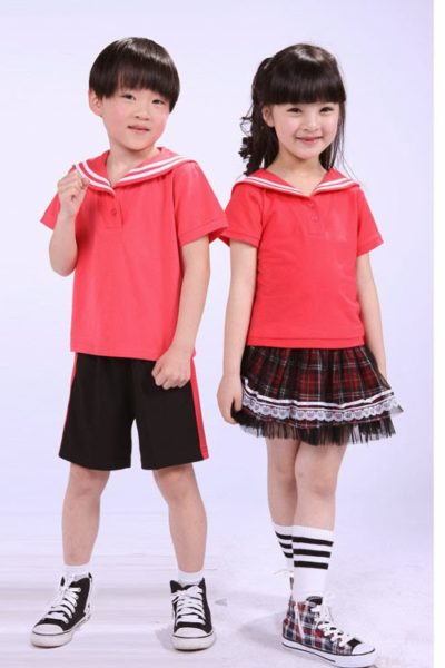Đồng phục học sinh sinh viên – Đồng phục mầm non áo thun đỏ phối trắng, quần đen phối đỏ, váy caro 16