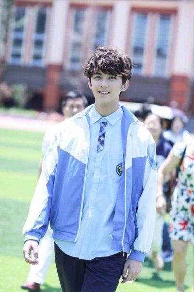 Đồng phục học sinh sinh viên – Áo khoác học sinh màu xanh nhạt phối trắng 37