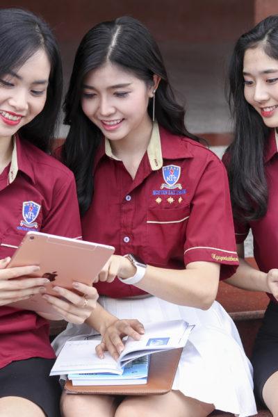 Đồng phục học sinh sinh viên – Đồng phục sinh viên Đại học Nguyễn Tất Thành 32