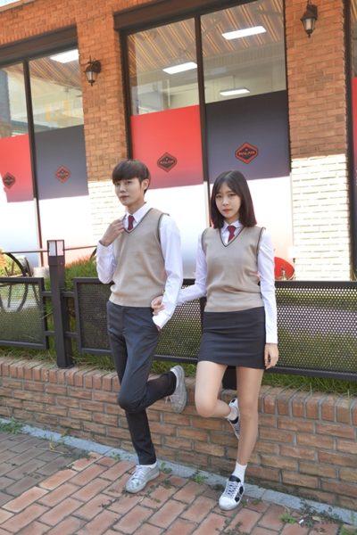 Đồng phục học sinh sinh viên – Đồng phục học sinh cấp II váy xám, quần dài xám, áo sơ mi trắng dài tay 74